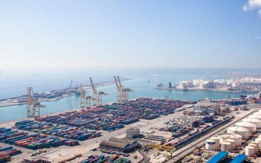 El-futuro-industrial-de-Barcelona-pasa-por-el-puerto